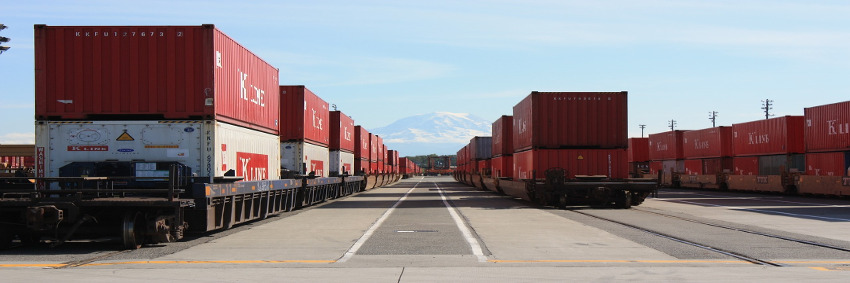 Schienengüterverkehr zwischen dem Duisburger Hafen und Chongqing © Pixabay