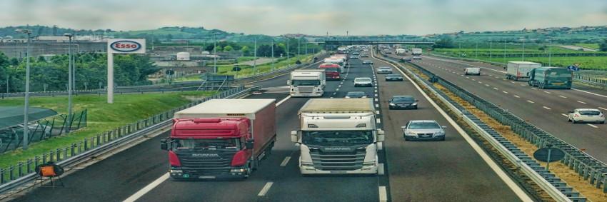 Bis 2030 soll etwa ein Drittel der Fahrleistung im schweren Güterverkehr elektrisch oder auf Basis von E-Fuels erfolgen. © Pixabay