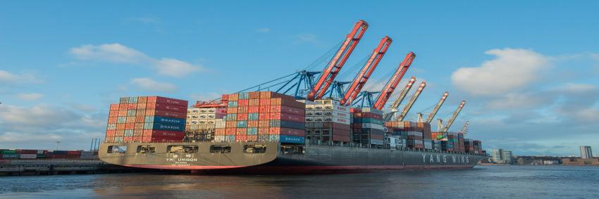 Statt Schweröl müssen Schiffe jetzt verstärkt umweltfreundlichere Treibstoffe verwenden oder die Abgase stärker filtern. © Pixabay